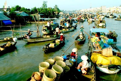 Cai Be Floating Market - Mekong Delta Tour