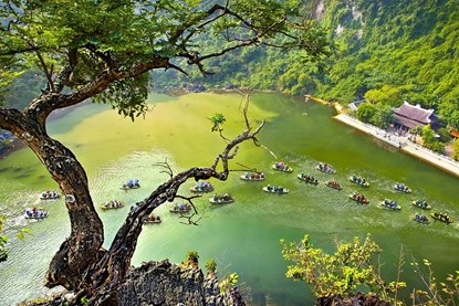 Trang An Grottoes - Vietnam Package Tour